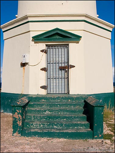 Door detail. California Lighthouse Aruba & California Lighthouse Aruba ⋆ Bryan Hansel Photography Pezcame.Com