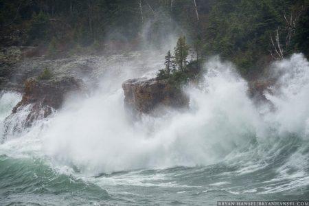 Waves at Shovel Point