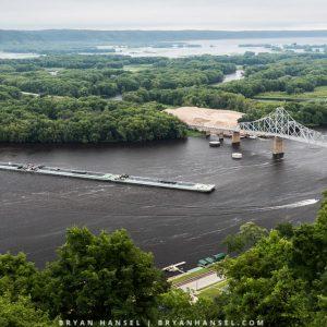 barge takes corner at Lancing, Iowa