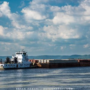 barge on mississippi river